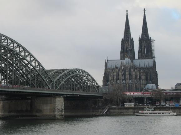 Vue sur le Rhin et la cathédrale